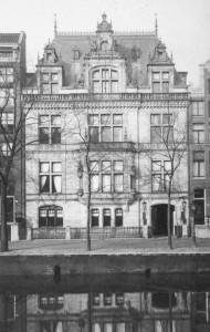 Het 'Loirekasteel in Amsterdam', nu het Nederlands Instituut voor Oorlogsdocumentatie (NIOD)